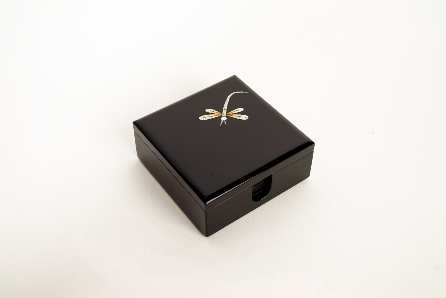 Wooden lacquer box containing eight wooden lacquer coasters dragonfly design