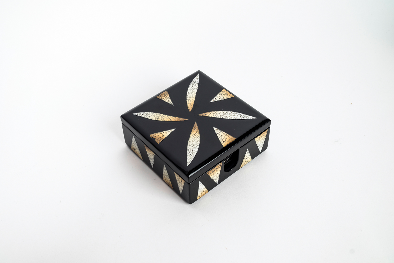 Eggshell mosaic wooden lacquer box containing matching coaster set.