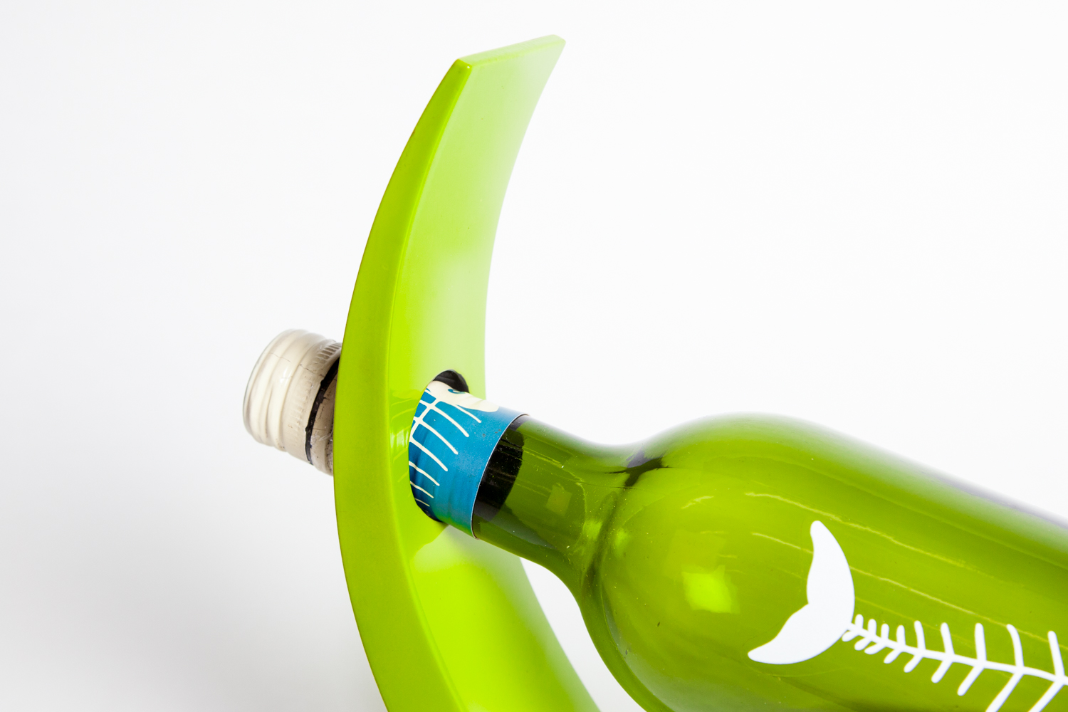 Silkwood Traders lime green wooden lacquer wine holder.