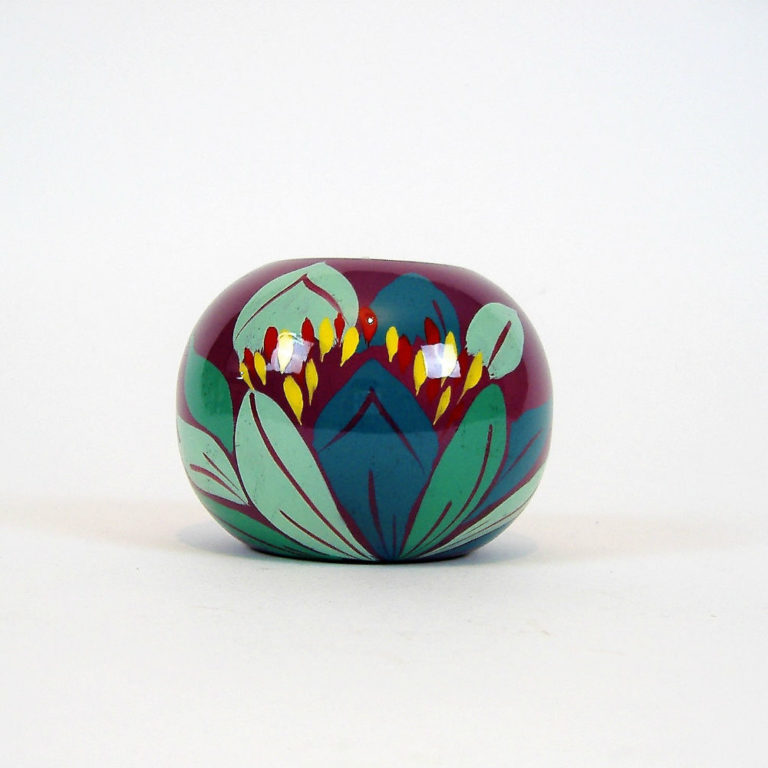 Purple lily single wooden lacquer tealight holder