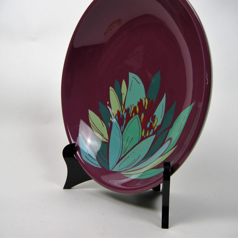 Purple lily wooden lacquer serving bowl Purple lily wooden lacquer serving bowl