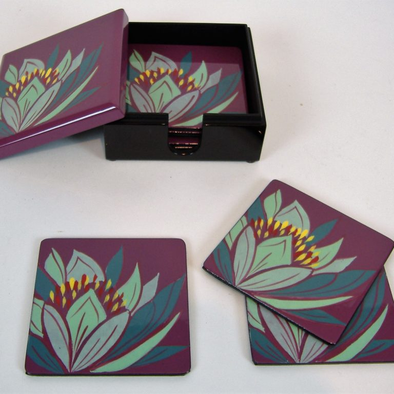 Purple lily wooden lacquer coaster set
