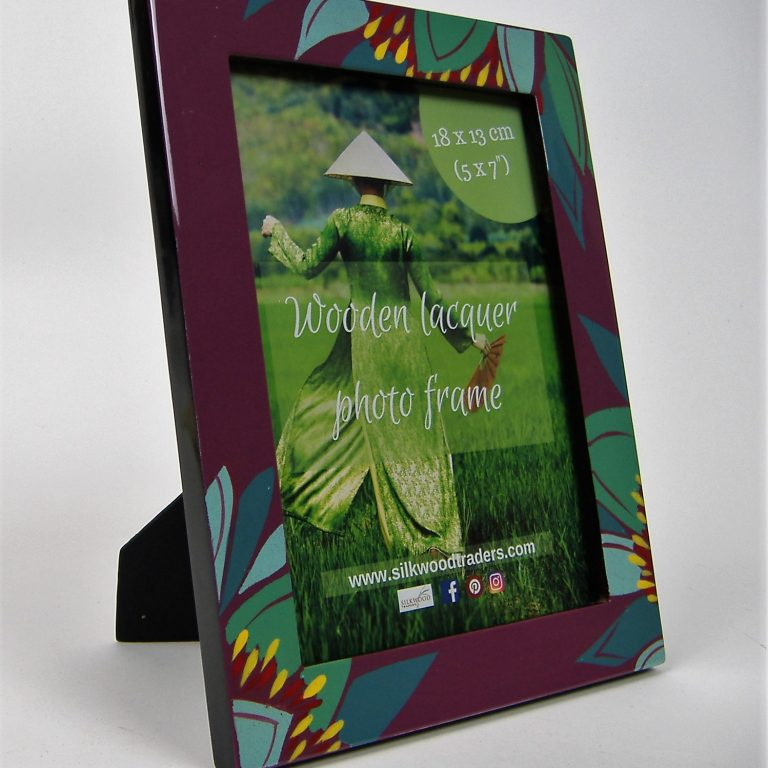 Purple lily wooden lacquer photo frame