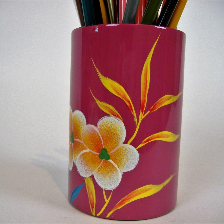 Pink palm leaf wooden lacquer pen pot