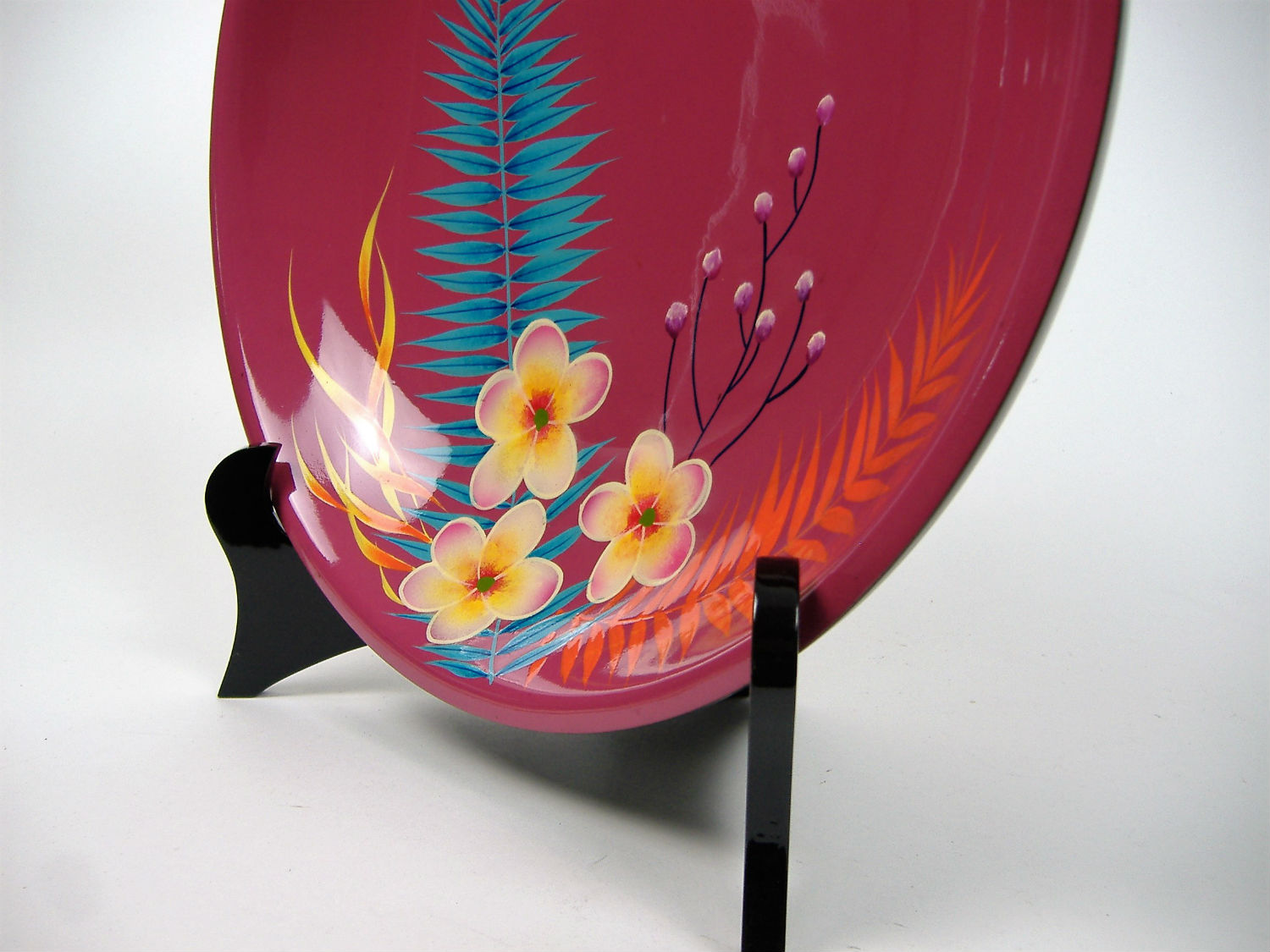 Pink palm leaf wooden lacquer serving bowl